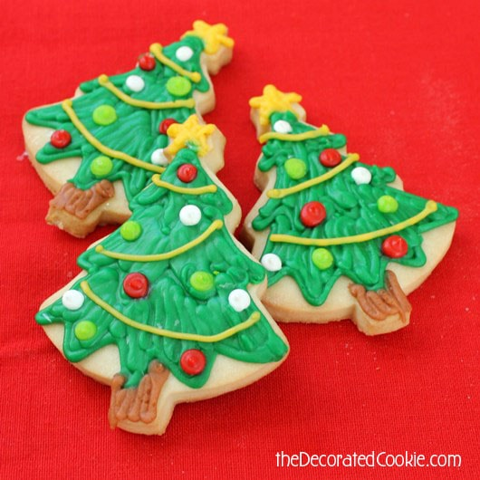 wm_christmas_cookiedecorating_2tree
