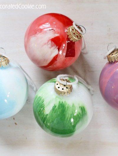 easy paint swirl ornaments: kid friendly Christmas craft