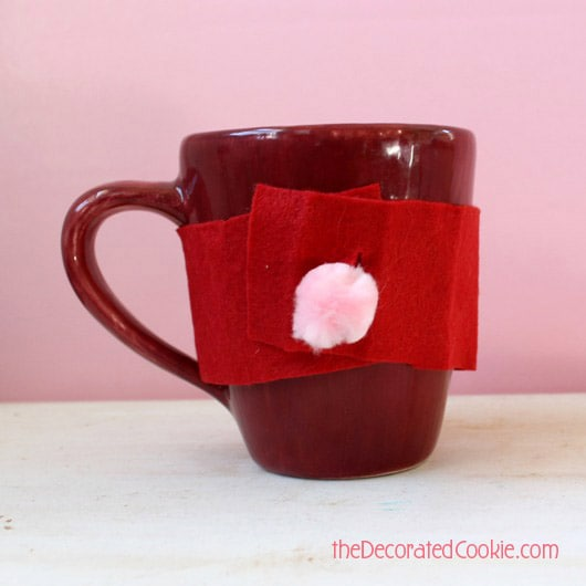 chocolate cake in a mug AND a quick mug cozy