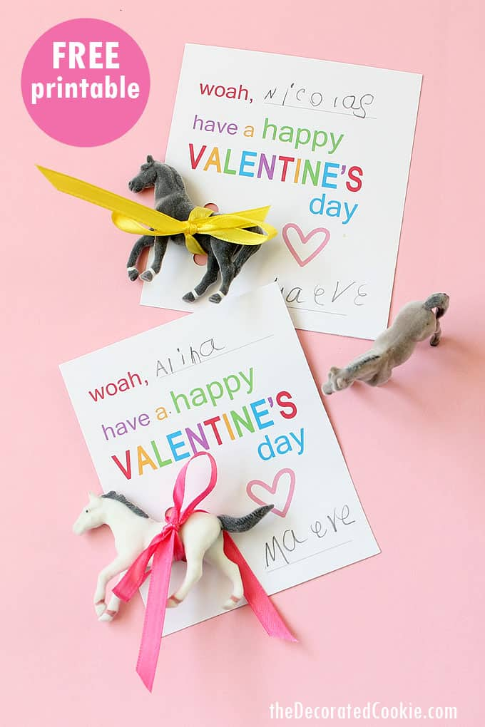 HORSE VALENTINES CARDS -- for Valentine's Day classroom parties with FREE PRINTABLE #valentinesday #classroomparty #valentinescards #classroomcards