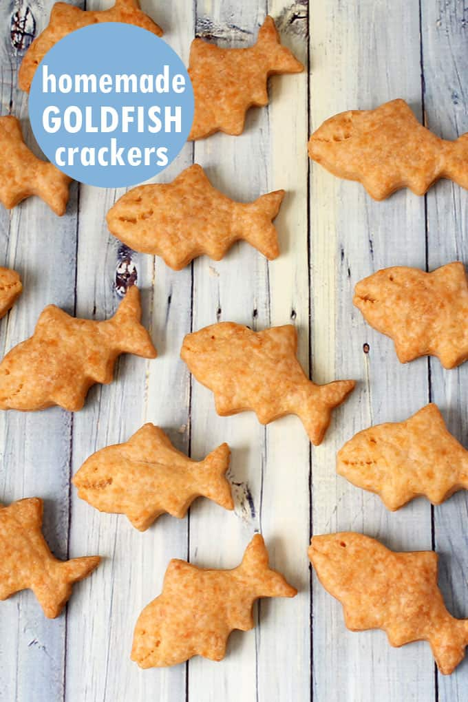 How to make homemade goldfish crackers, a copycat recipe of the classic Pepperidge Farm snack. Kid-friendly, cheddar-filled crackers. #goldfishcrackers