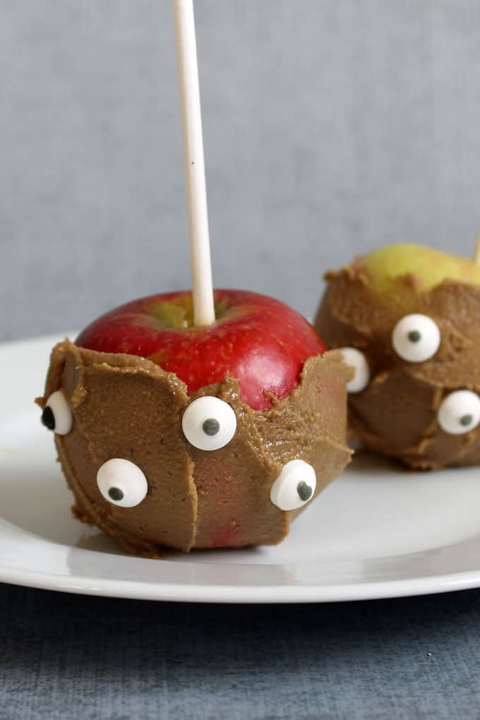 Healthy Halloween treats and snacks: Peanut butter apple monsters