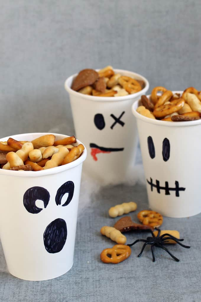 Healthy Halloween treats and snacks: ghost snack containers
