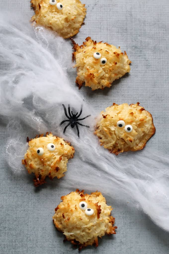 MACAROON MONSTERS. These 2-ingredient cookies are super-easy to make for Halloween. A fun food idea for your Halloween party or monster party.