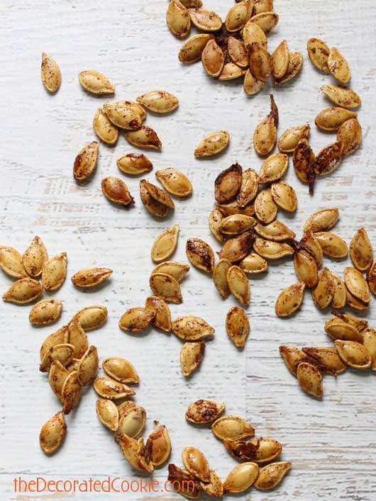 cinnamon maple pumpkin seeds with crunch