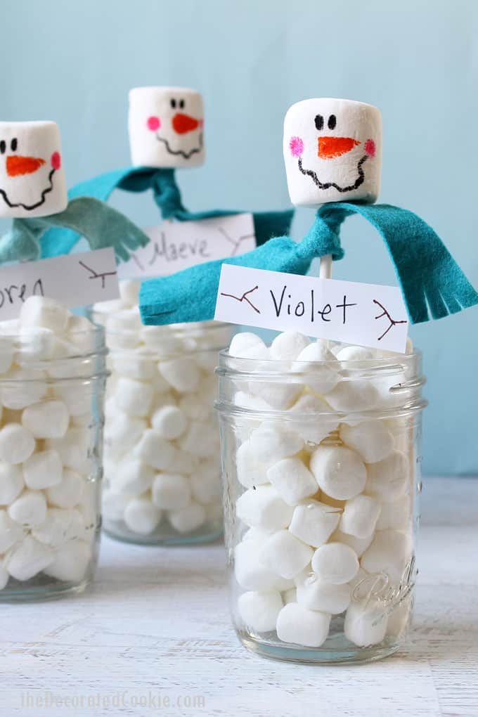 MARSHMALLOW SNOWMAN PLACEHOLDERS -- fun Christmas treat