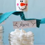 marshmallow snowmen place holders