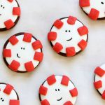 Adorable CHOCOLATE PEPPERMINT COOKIES from cake mix with fondant for a fun, clever decorated Christmas cookie idea. Just like the candy. #peppermint #cakemixcookies #chocolatecookies #christmascookies #fondant #cookiedecorating