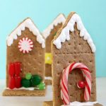 EASY 2D graham cracker houses for Christmas