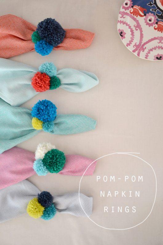 pompom-napkin