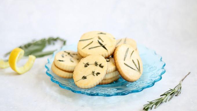 Delicious spring dessert: Lemon, herb shortbread cookies.