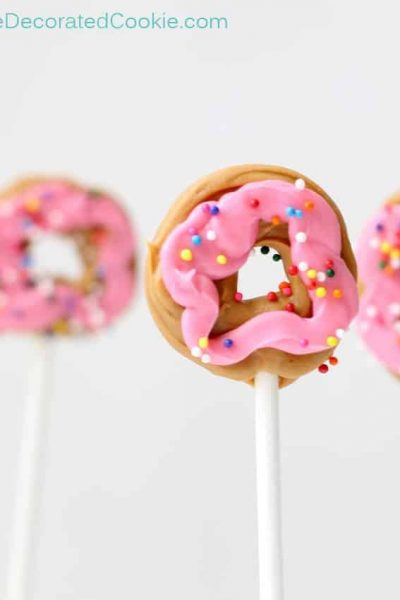 "mini ""donut"" candy pops"