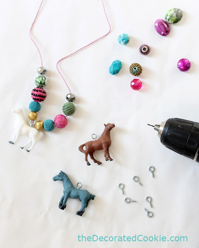 horse necklace craft how-to for a kid's birthday party