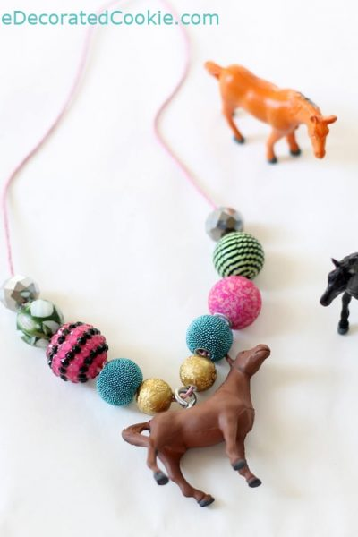 horse necklace craft for parties