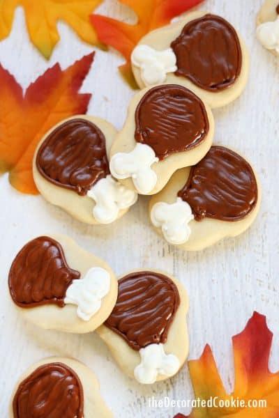 Thanksgiving cookies -- mini turkey legs
