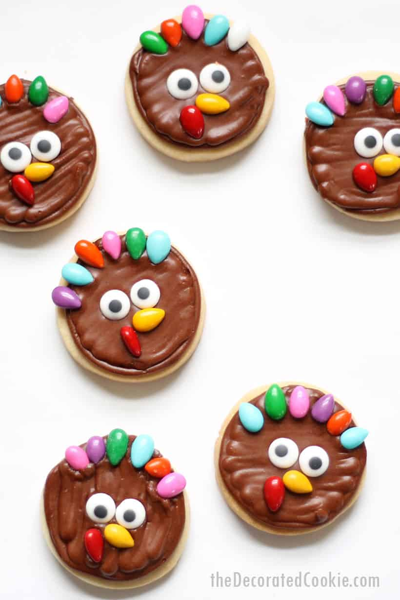 mini turkey cookies with sesame seeds for Thanksgiving