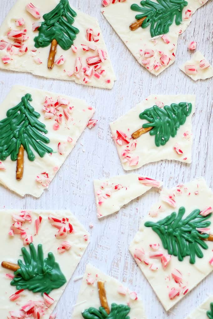 peppermint white chocolate CHRISTMAS TREE BARK for an easy holiday dessert to make, eat, or give -- step-by-step instructions included  #christmas #chocolatebark