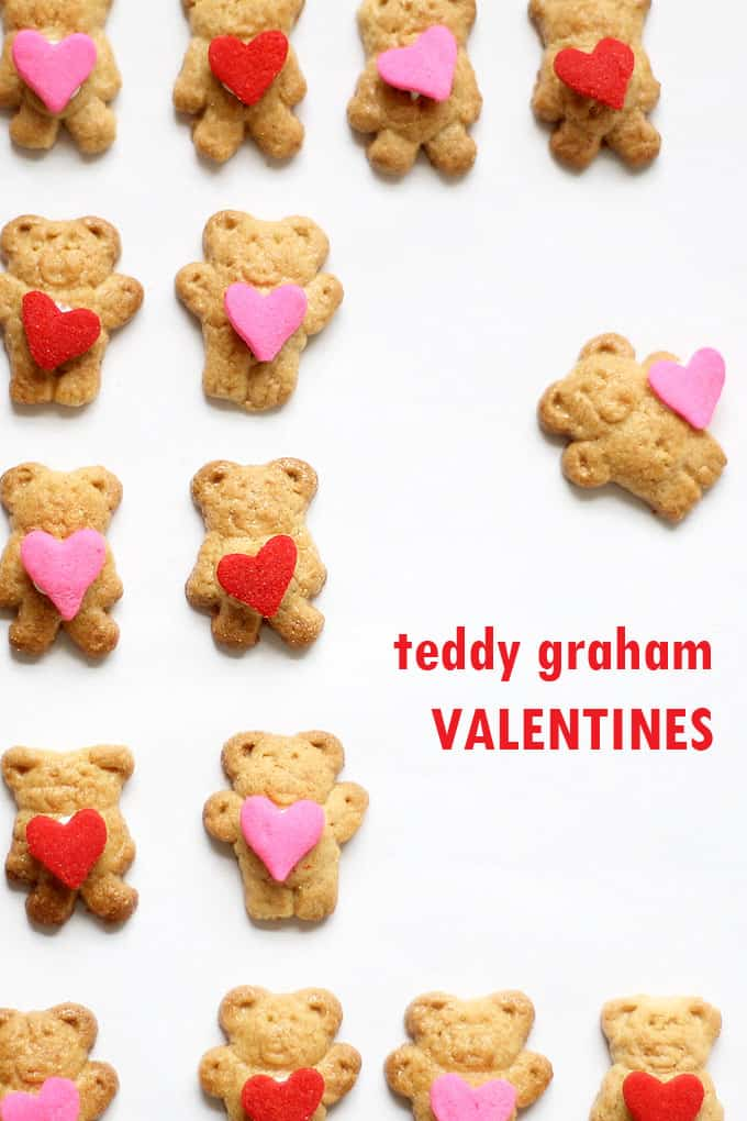 VALENTINES DAY TEDDY GRAHAMS -- cute and easy treat for kids and classroom parties