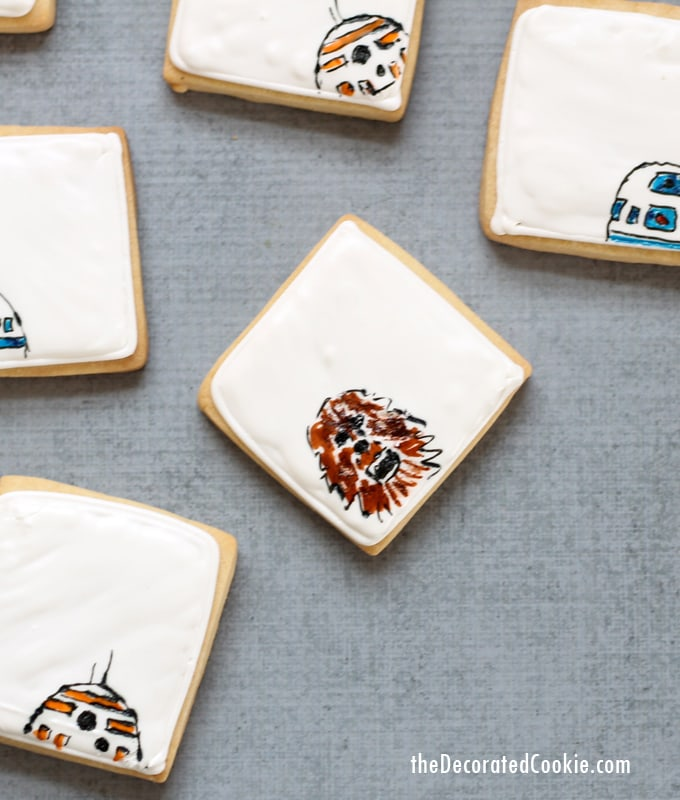 simple Star Wars droid cookies