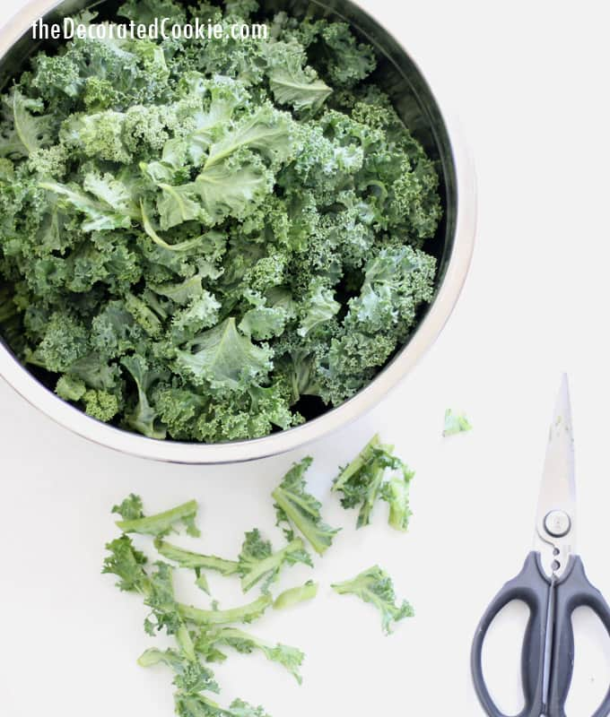 homemade kale powder -- healthy choice, sprinkle nutrition in all your favorite foods.