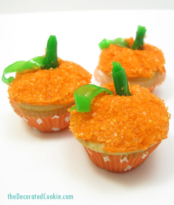 mini pumpkin cupcakes for Fall or Thanksgiving dessert
