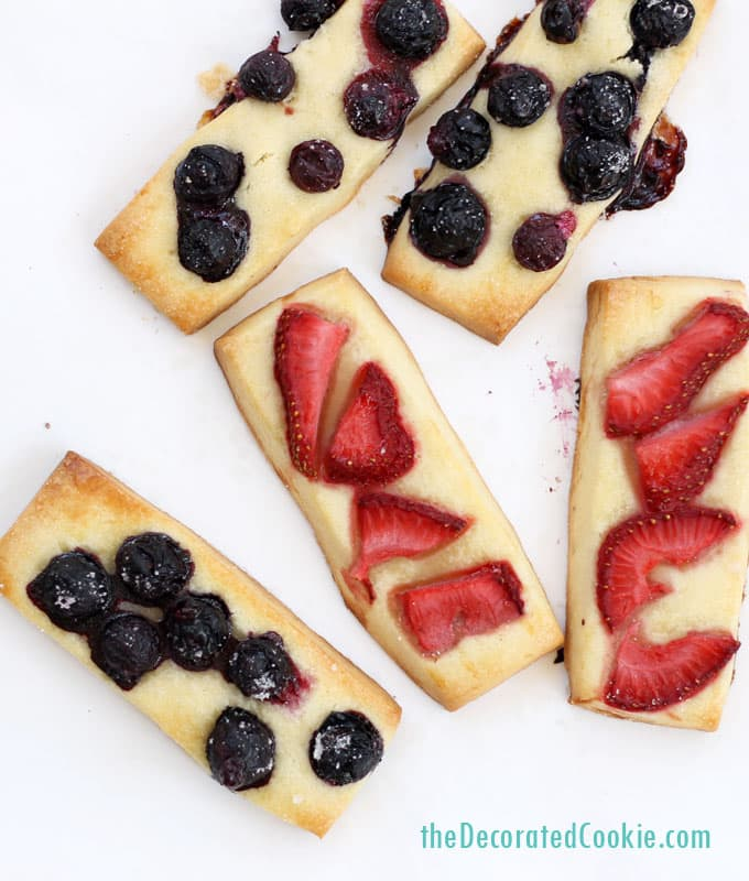the BEST berry shortbread cookies ever, great Summer dessert