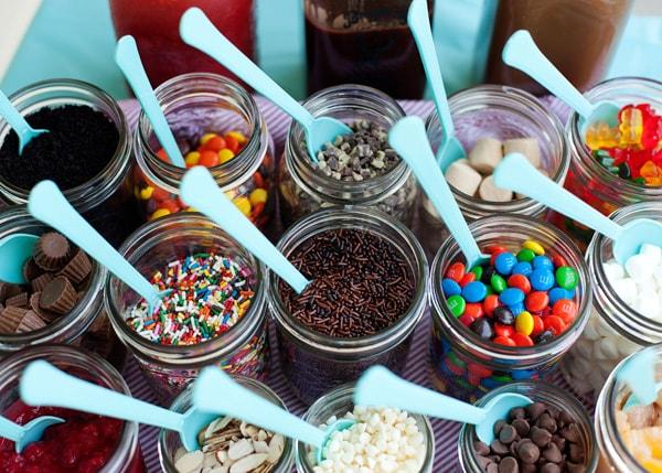 Ice Cream Sundae Bar Ideas Topping Ideas And Recipes Summer Party