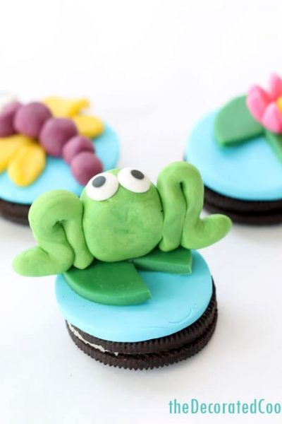 how to make candy clay and frog Oreos