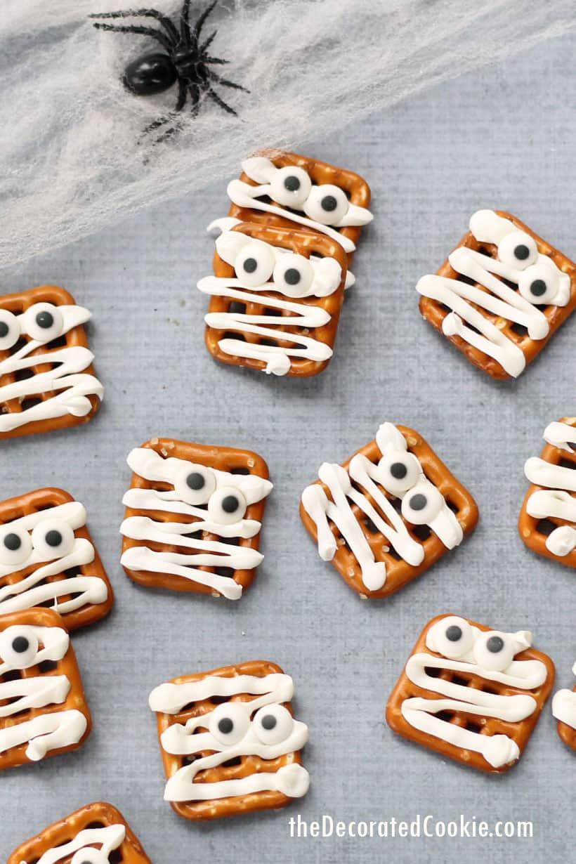 mummy pretzel for halloween