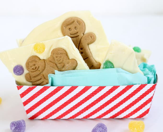 gingerbread man chocolate bark is a quick and easy handmade Christmas gift or dessert -- makes a wonderful handmade holiday gift idea #chocolatebark #christmas #giftidea #gingerbreadman