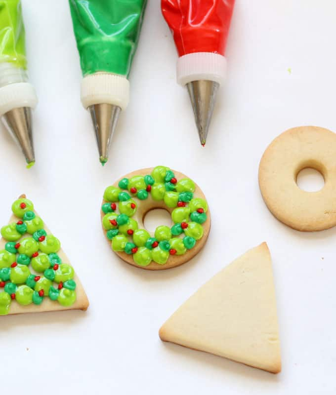 Simplify your Christmas baking with these 3-color easy Christmas wreath and tree cookies. Simple Christmas wreath and tree cookies.