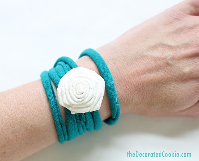 EASY NO-SEW T-shirt bracelets