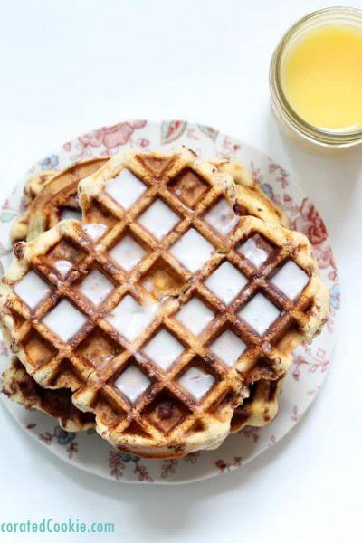 cinnamon roll waffles -- 5-minute cinnamon rolls in your waffle iron