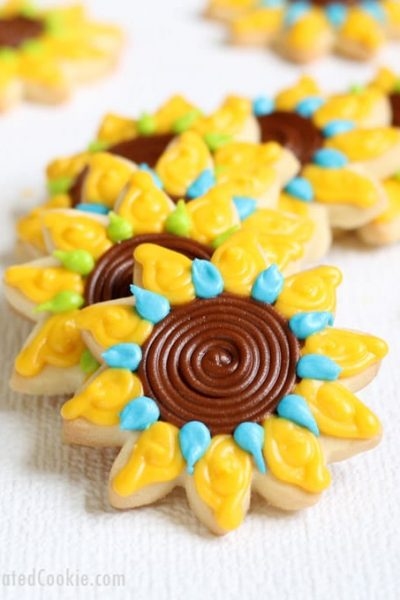 how to decorate sunflower cookies -- with video how-tos