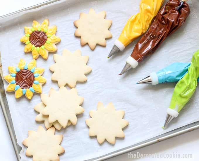 how to decorate sunflower cookies