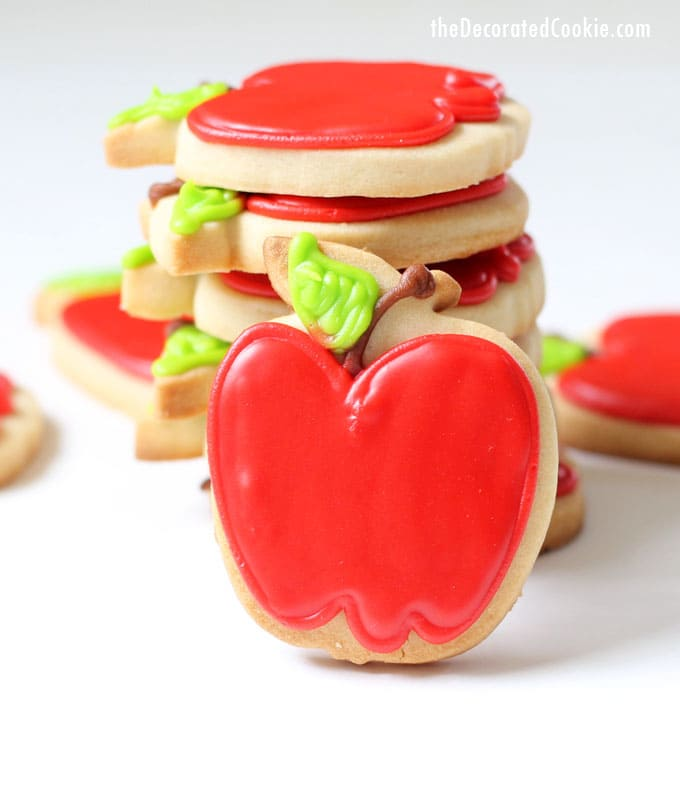 how to decorate apple cookies -- VIDEO how-tos --teacher appreciation, back to school