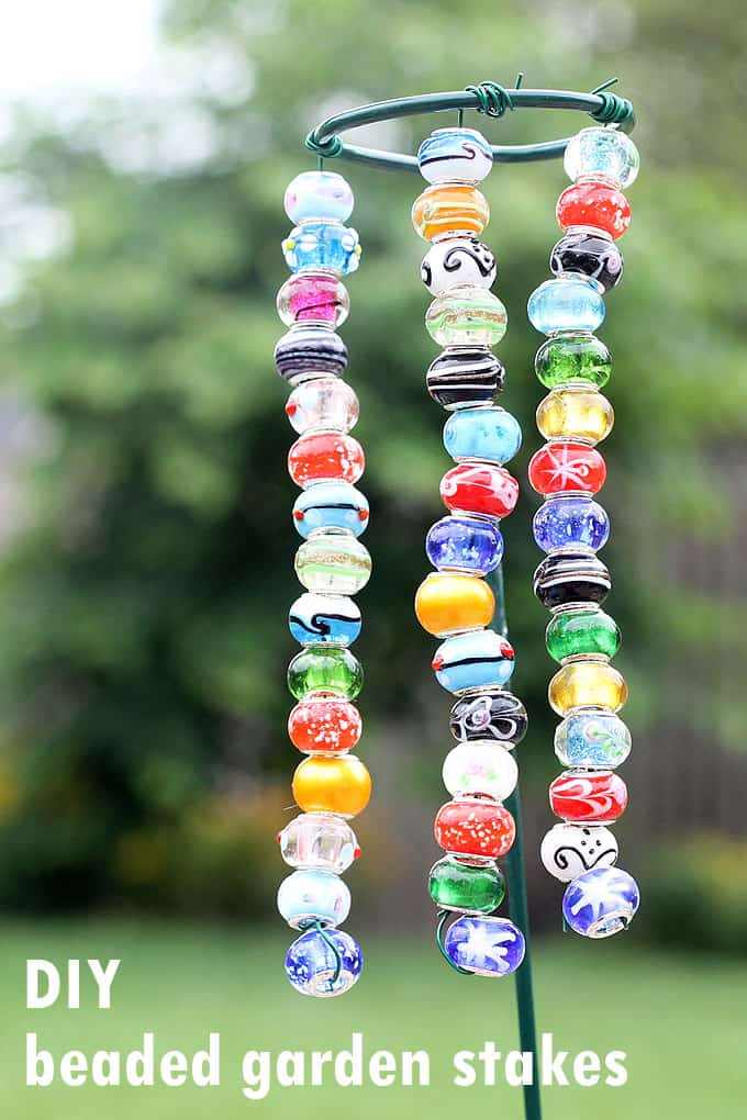 easy beaded garden stakes for kids or adults -- great garden craft that takes minutes to make and adds color and interest to your yard