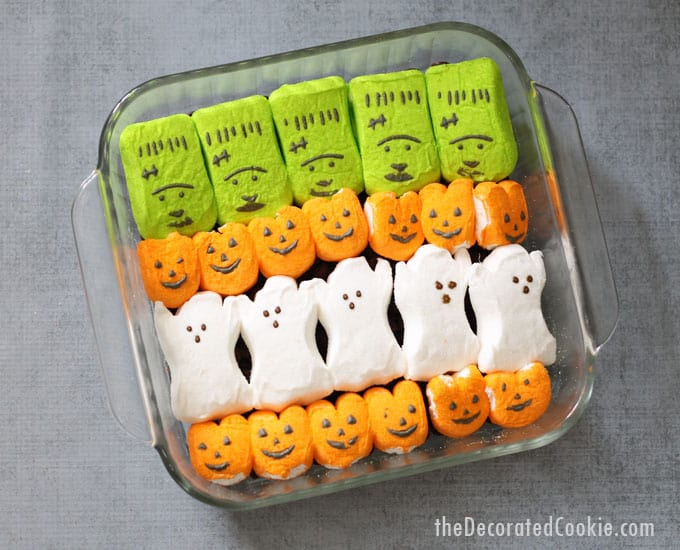 Halloween s'mores dip -- easy Halloween treat using Halloween Peeps marshmallows