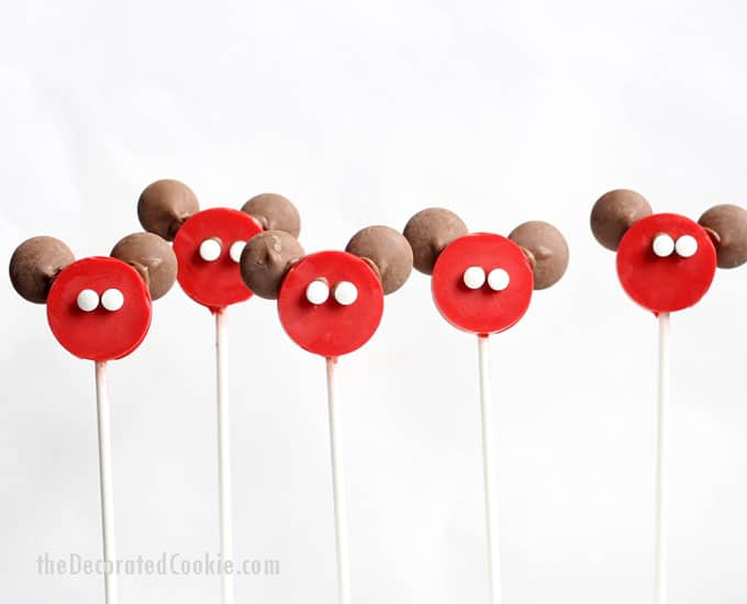 easy Mickey Mouse candy pops -- Disney food idea