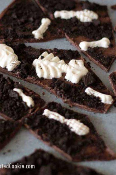 Graveyard chocolate bark, a fun food treat for Halloween! Video tutorial included.