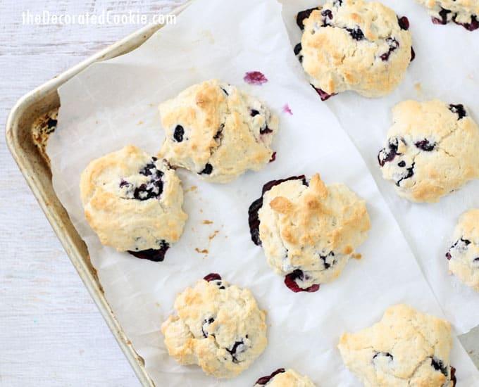 4-ingredient lemon blueberry scones -- handmade Starbucks version