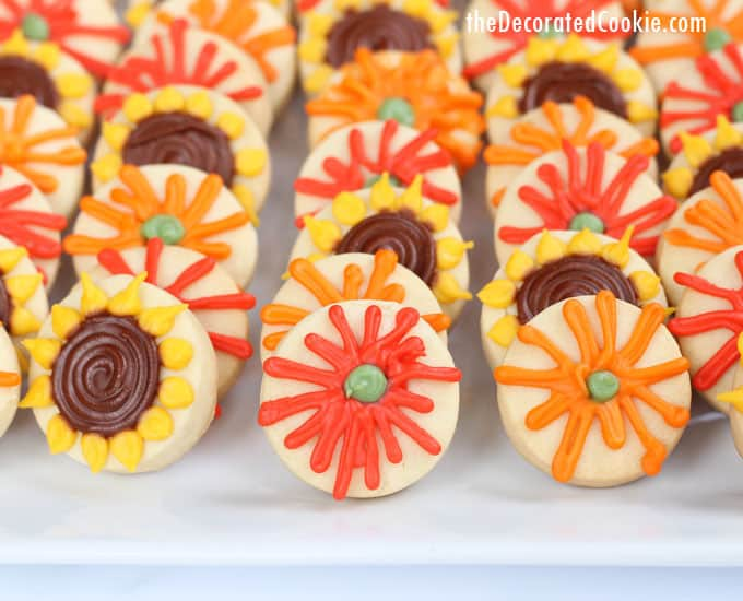 how to make and decorate simple, mini fall flower cookies for Thanksgiving dessert, #GiveAFriendACookie