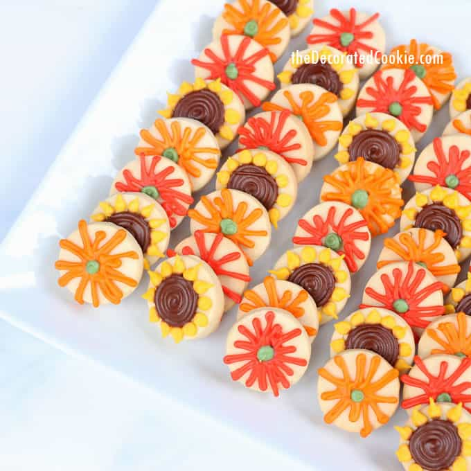 how to make and decorate simple, mini fall flower cookies for Thanksgiving dessert, #GiveAFriendACookie sunflower and mums cookies