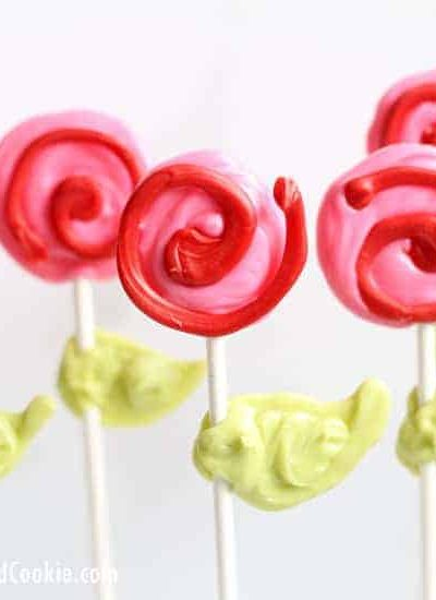 How to make rose candy pops for Valentine's Day. Video tutorial included on how to make these chocolate flowers using candy melts.