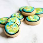How to decorate Earth Day cookie bites, an easy Earth Day fun food idea. #EarthDay #cookies #CookieDecorating #FunFoodIdeas #DecoratedCookies