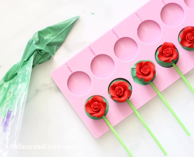 Easy rose bouquet chocolate pops are a fun food gift idea for Mother's Day, birthdays, or Valentine's Day. Video how-tos included. #MothersDay #rosebouquet #flowers #chocolate #chocolatepops #lollipops #ValentinesDay