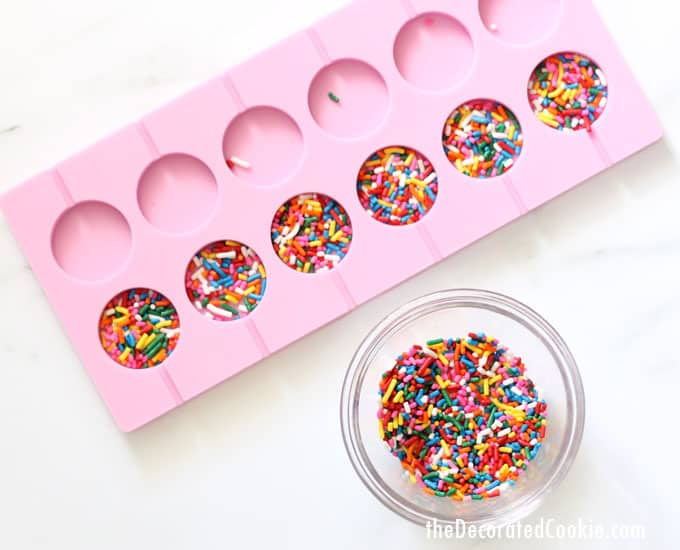 Easy Sprinkle Chocolate Pops For