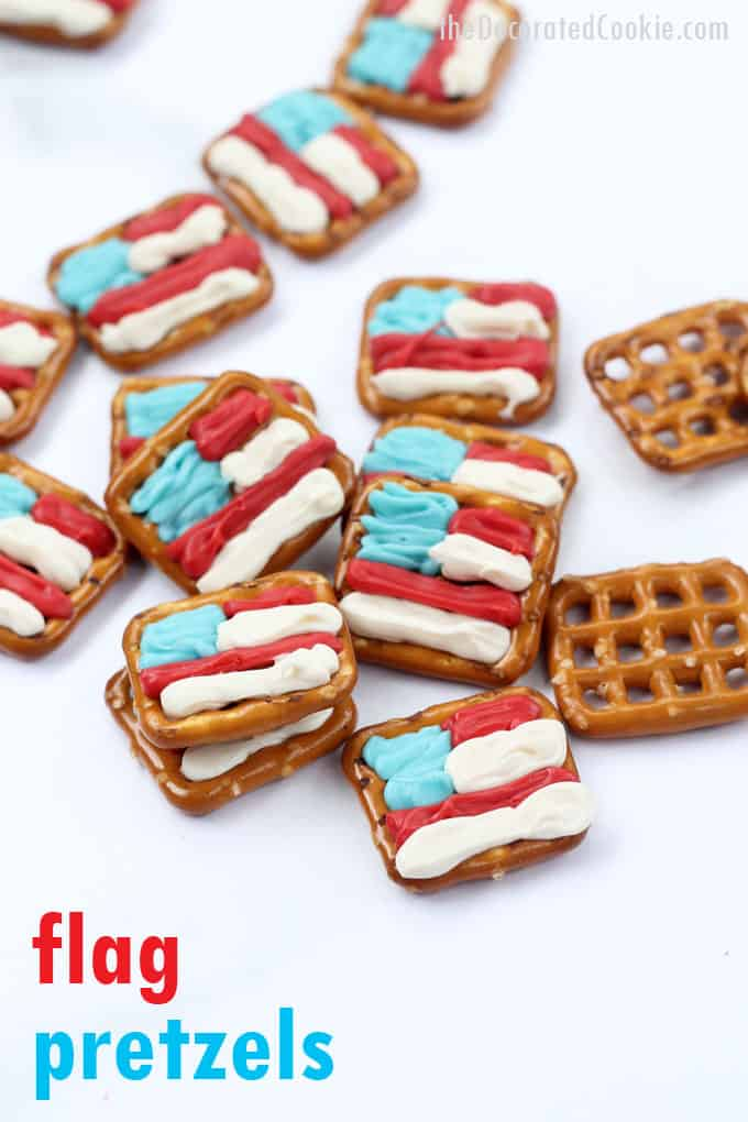 These chocolate-covered American flag pretzels are easy, no-bake summer treats using pretzels and red, white, and blue candy melts-- 4th of July pretzels recipe. #4thofJuly #Desserts #nobake #FlagPretzels #chocolatecoveredpretzels #4thofJulypretzels
