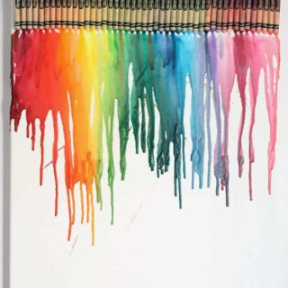 How to make melted crayon art AND A roundup of tutorials to make crayon art! Crayon crafts and melted crayon art activities for both kids and adults. And how to make melted crayon art. #CrayonART #CrayonCrafts #MeltedCrayonArt