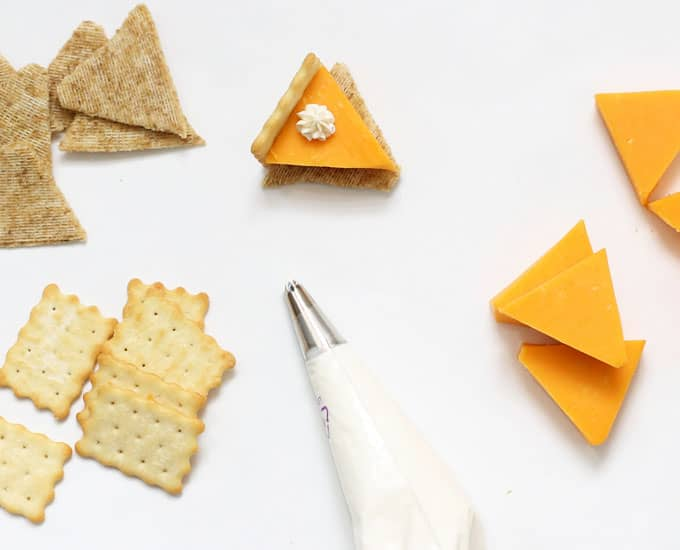 PUMPKIN PIE CHEESE AND CRACKERS is a fun food idea for a Thanksgiving appetizer that is so easy to make. Video how-tos included. #pumpkinpie #thanksgiving #appetizer #thanksgivingappetizer #easyappetizer #cheese #crackers